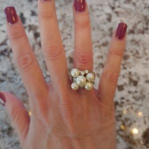 Lia Sophia Pearl Gold Ring Size 6